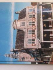 Huizen en gevelstenen in Monnickendam